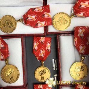 Huy chương công ty mạ vàng