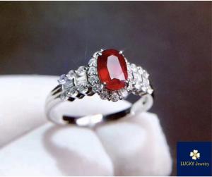 nhẫn đá phong thủy nữ